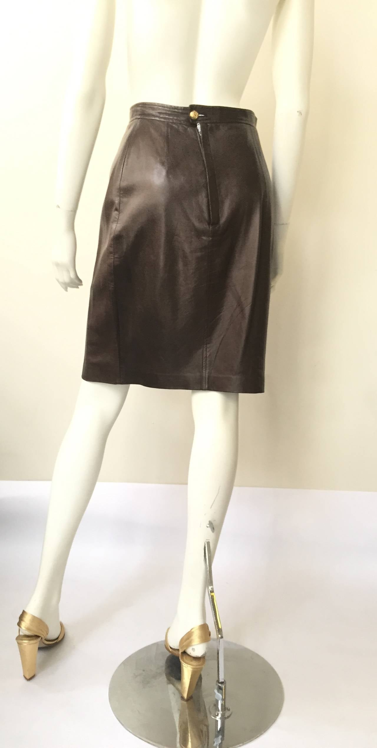 Chanel 80s brown leather skirt size 6. 4