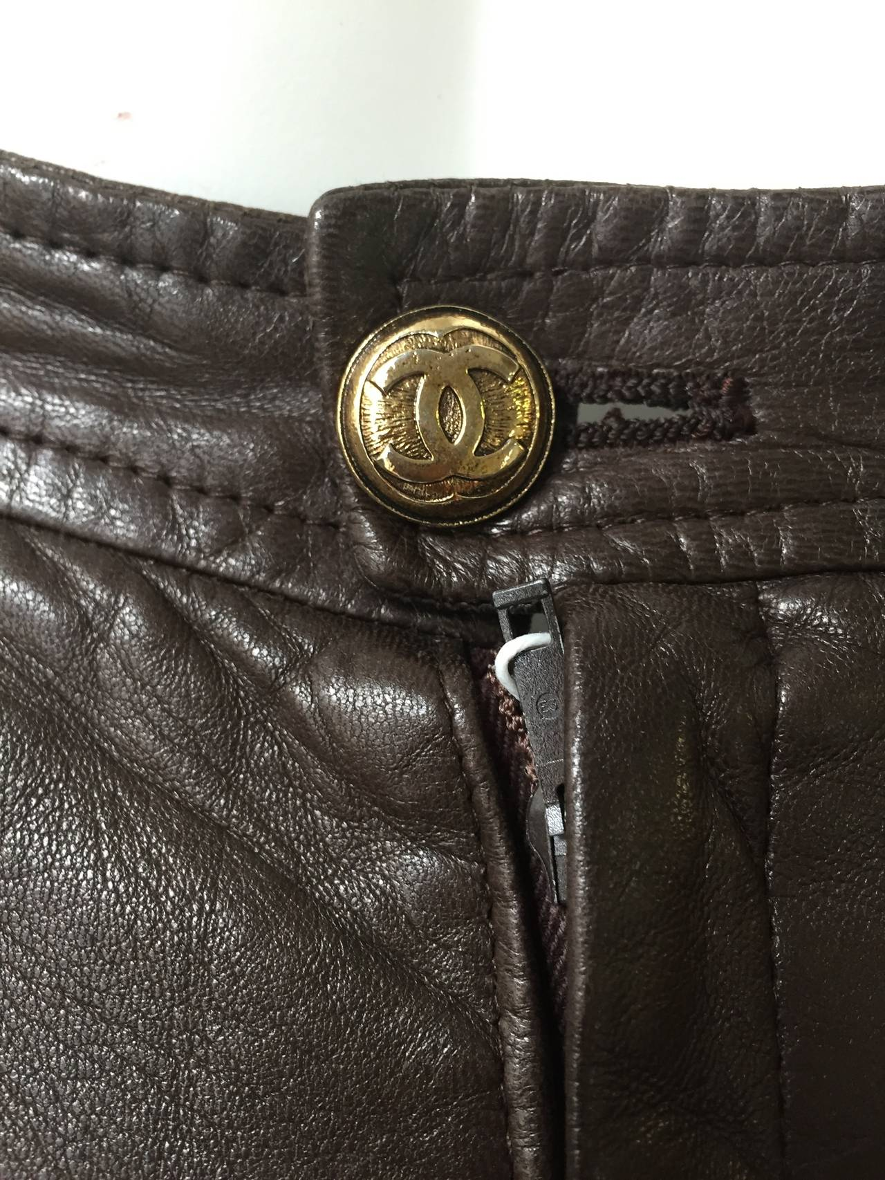 Chanel 80s brown leather skirt size 6. 6