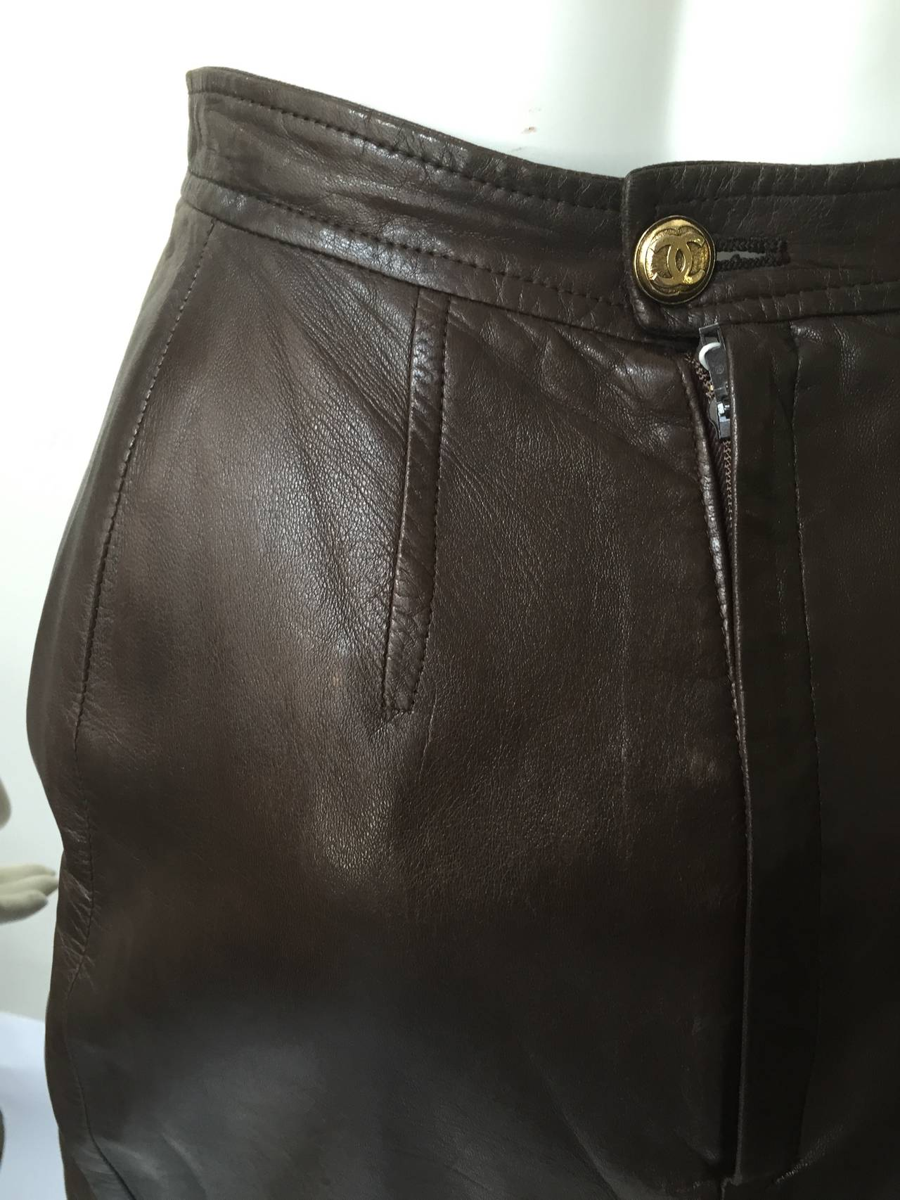 Chanel 80s brown leather skirt size 6. 7