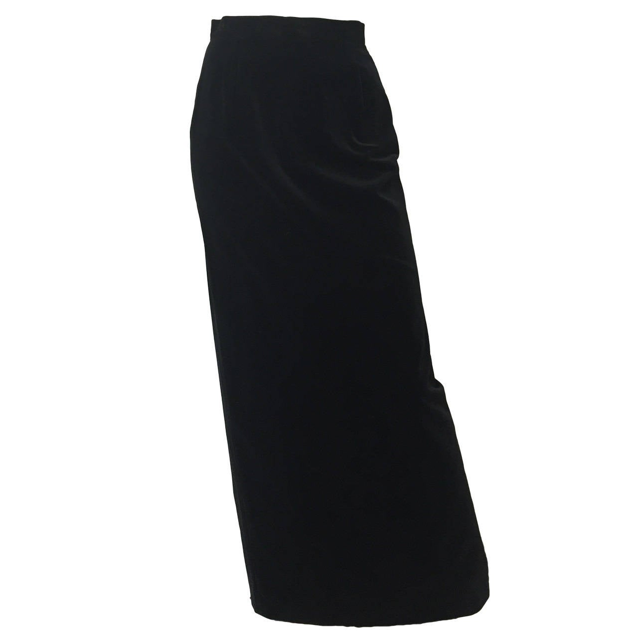 5d67f0d1fa Caroline Charles London for Neiman Marcus 1980s Long Black Velvet Skirt  Size 4. For Sale