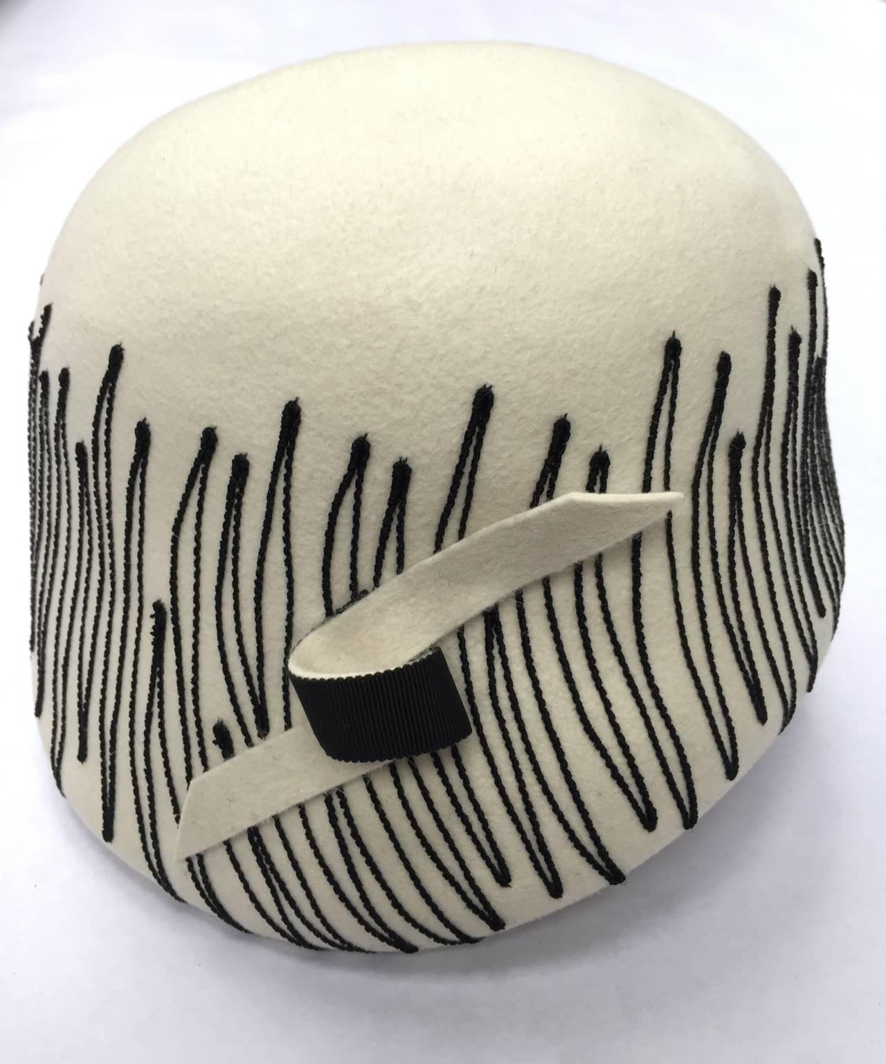 Elsa Schiaparelli Paris 1950s White Wool Felt Hat. 7
