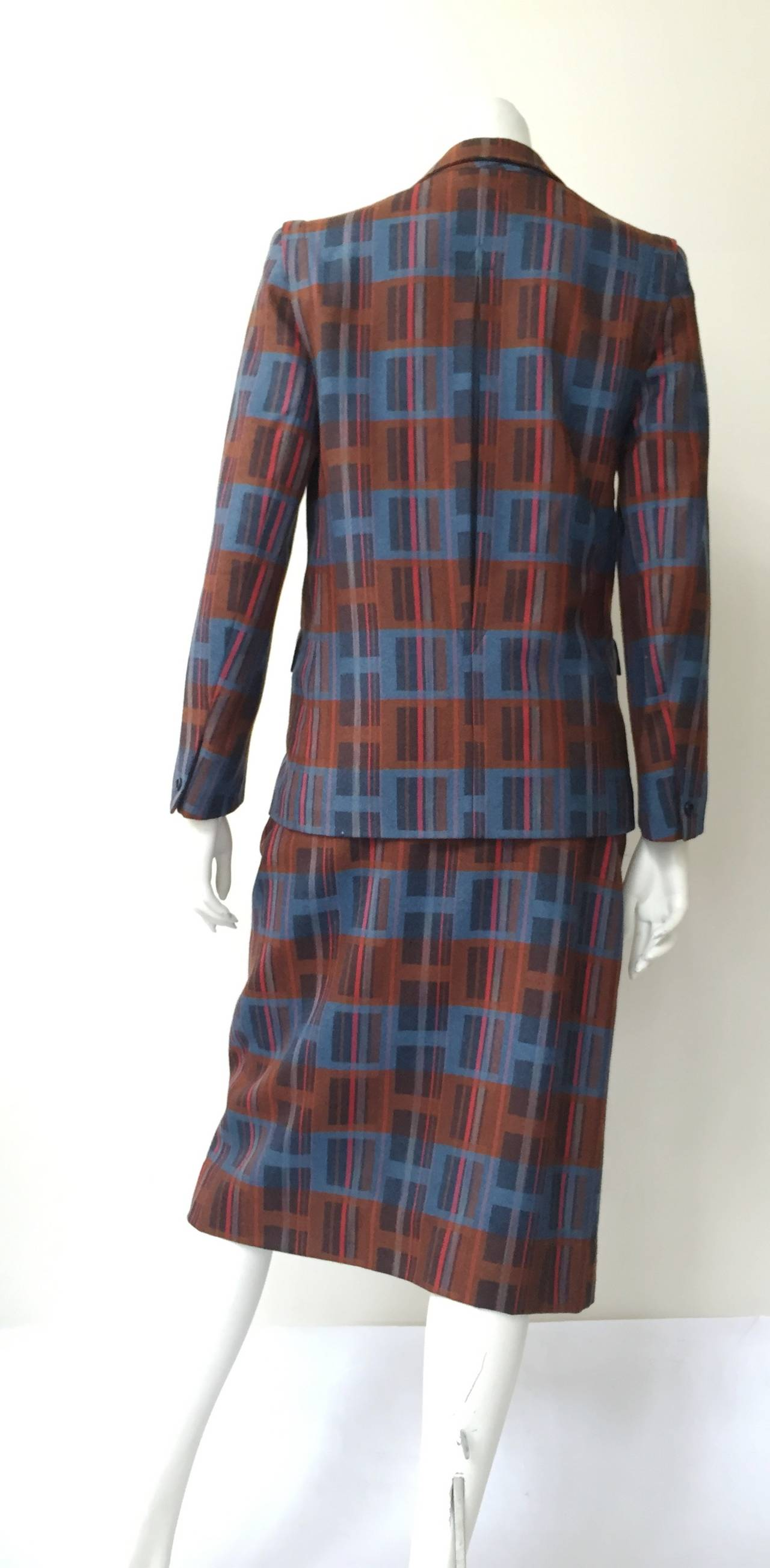 Ted Lapidus 70s modern print wool skirt suit size 6. For Sale 2