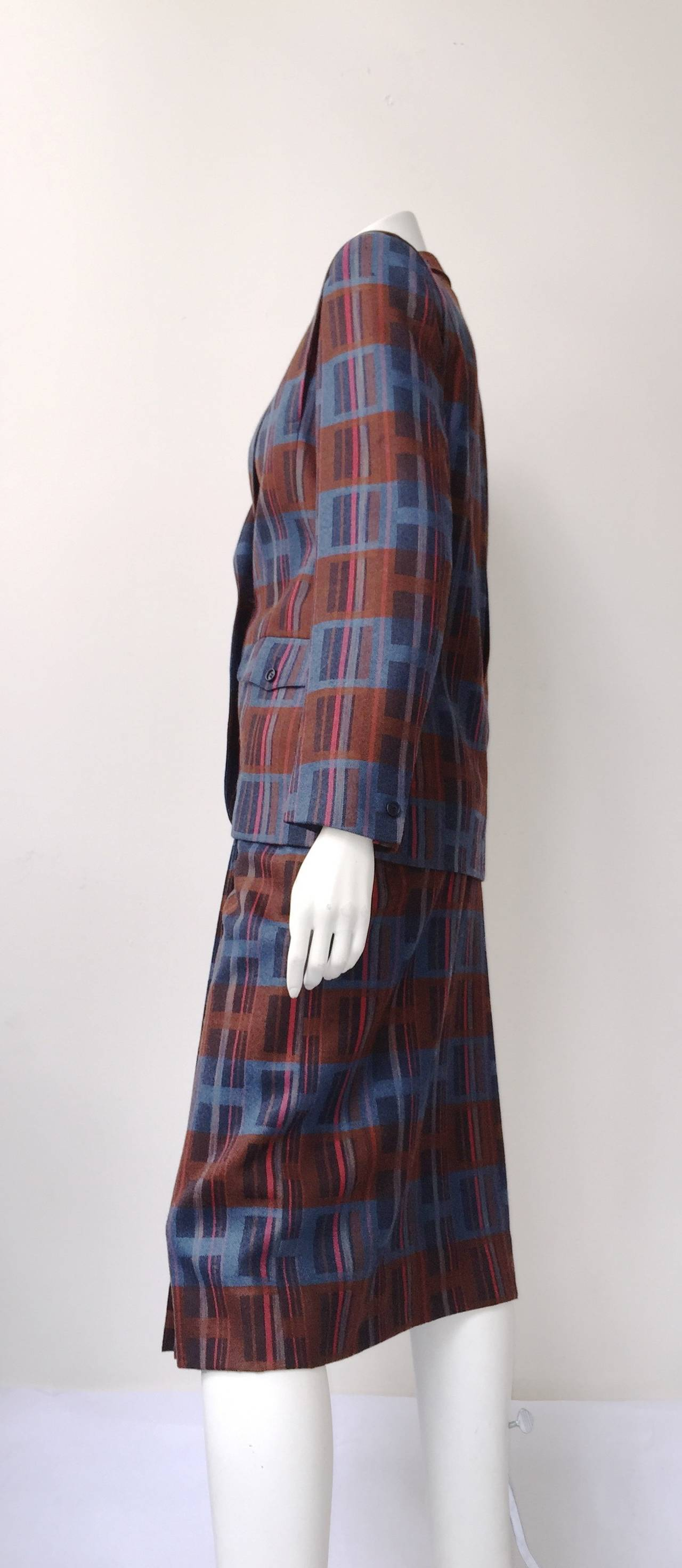 Ted Lapidus 70s modern print wool skirt suit size 6. For Sale 1