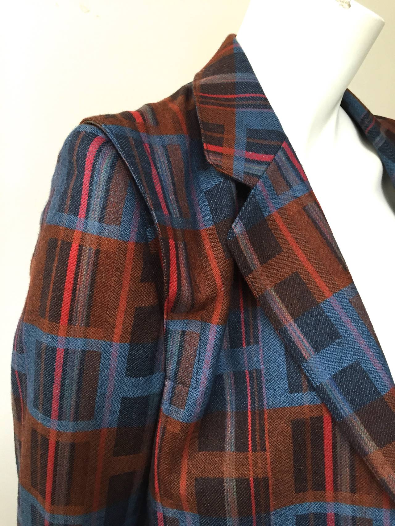 Ted Lapidus 70s modern print wool skirt suit size 6. For Sale 3
