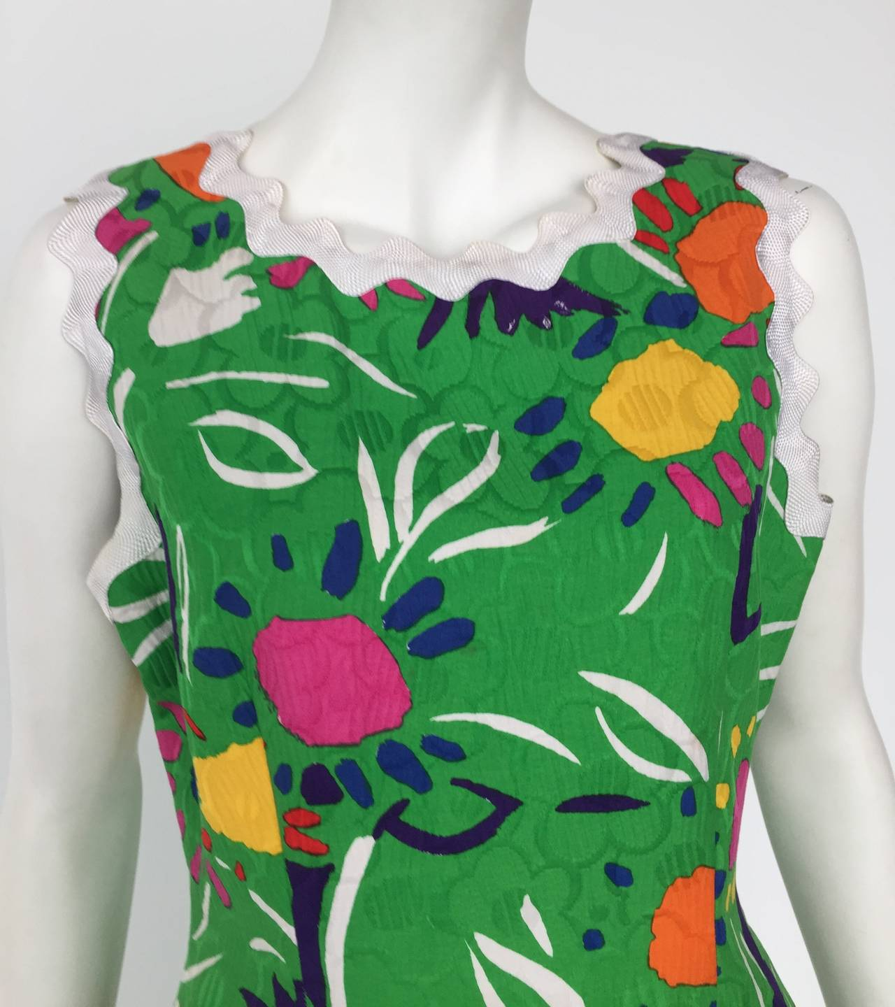 Bill Blass Sleeveless Cotton Dress Size 10. In Good Condition For Sale In Atlanta, GA
