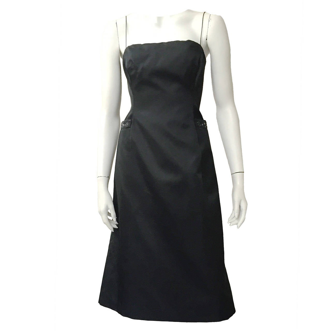 Richard Tyler Couture Black Silk Dress Size 6. For Sale