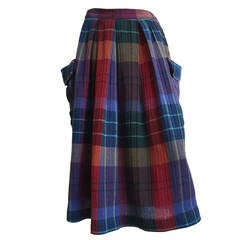 Mary McFadden Plaid Skirt with Side Pockets size 6.