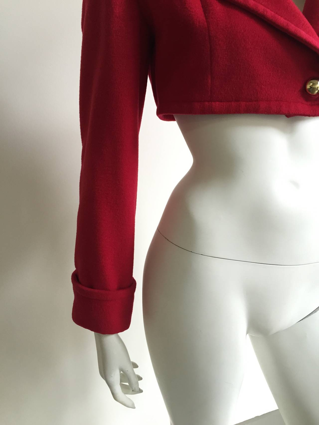 Patrick Kelly Paris 1988 red cropped jacket size 6. In Good Condition For Sale In Atlanta, GA