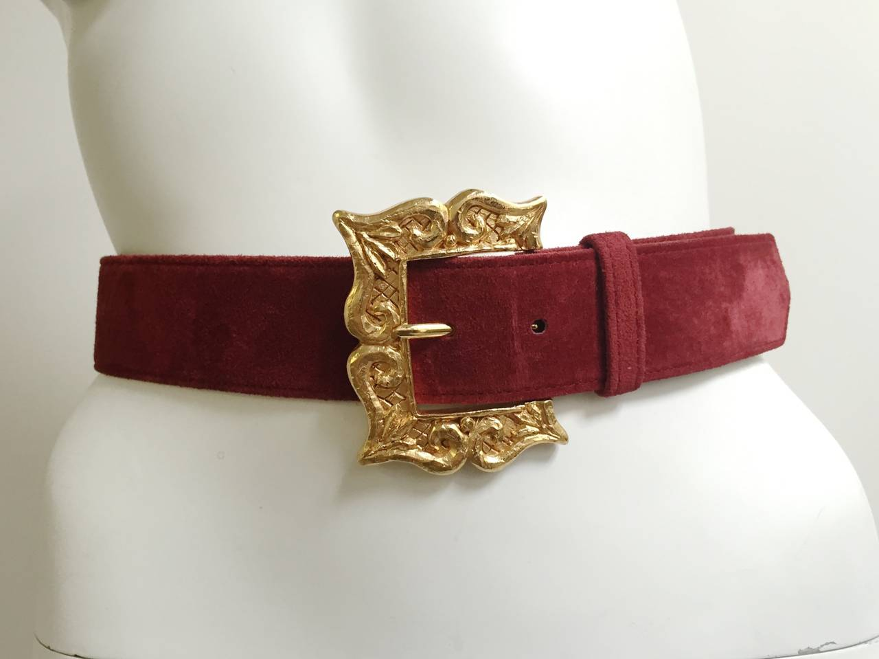 Christian Lacroix 1980s suede belt size 4. For Sale 4