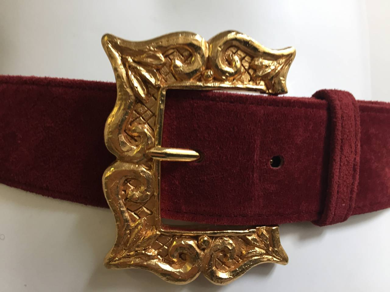 Brown Christian Lacroix 1980s suede belt size 4. For Sale