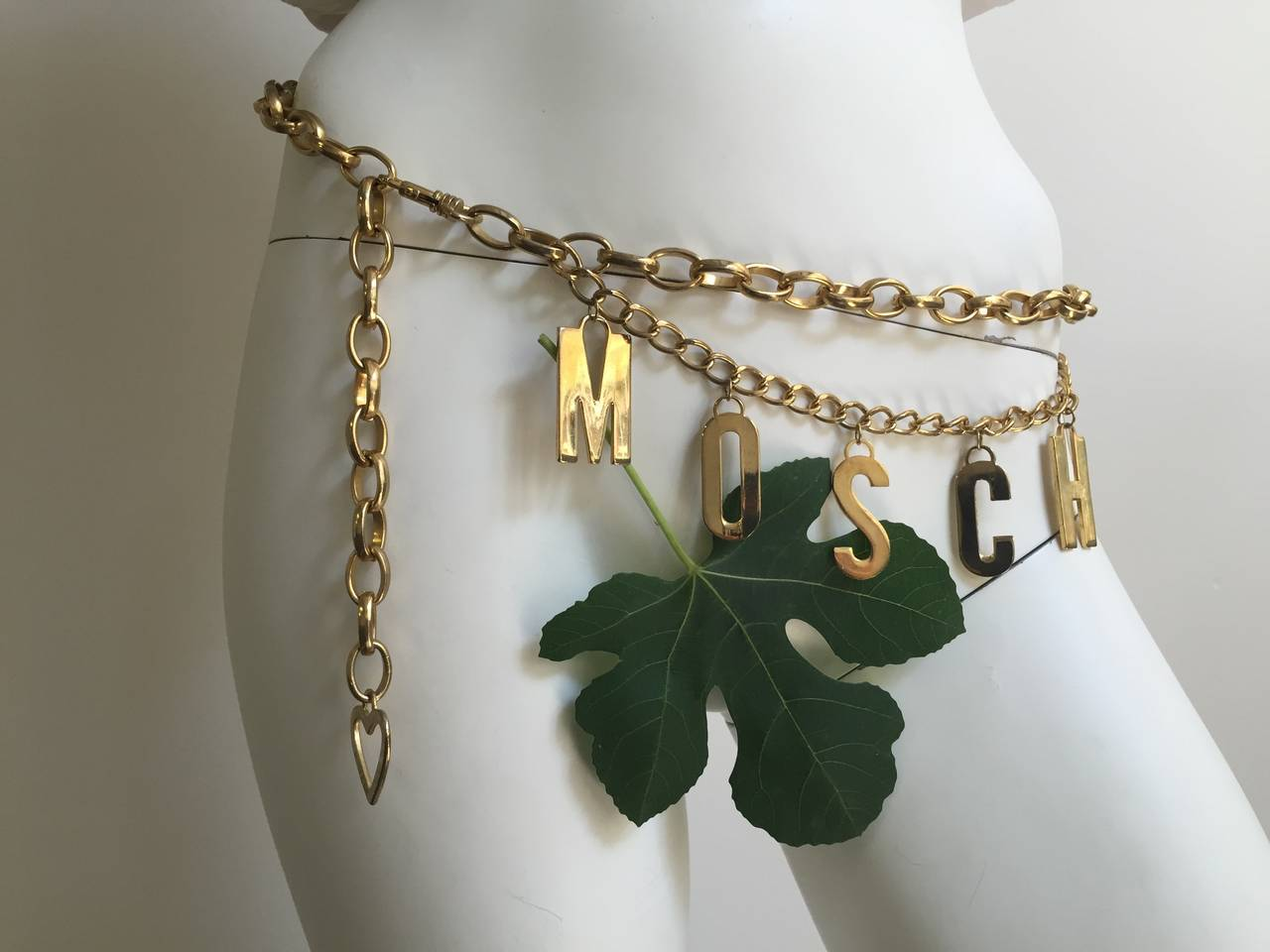 Moschino 80s gold chain adjustable waist belt. 6