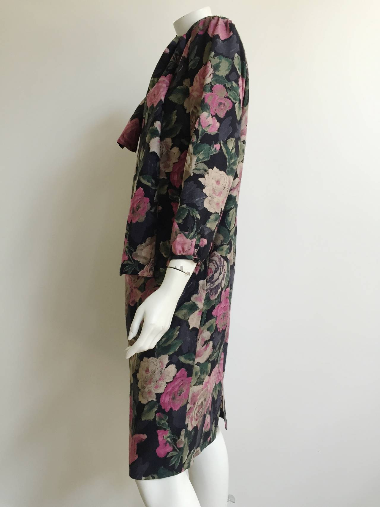 Ungaro Floral Dress With Pockets Size 10. For Sale 2