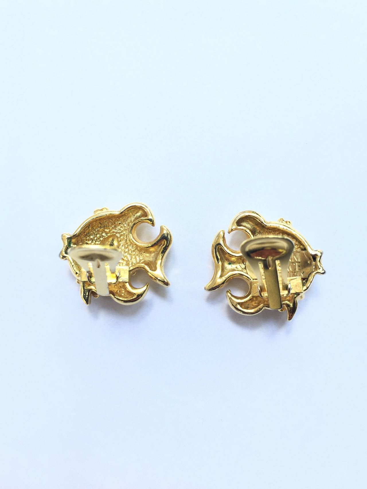 Gianni Versace gold fish clip-on earrings. In Good Condition For Sale In Atlanta, GA