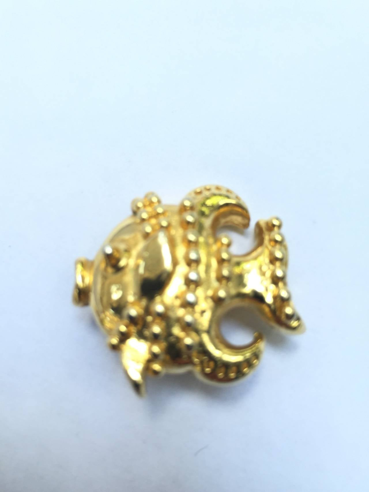 Gianni Versace gold fish clip-on earrings. For Sale 1
