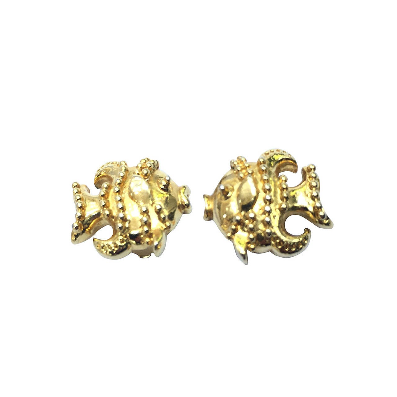 Gianni Versace gold fish clip-on earrings. For Sale