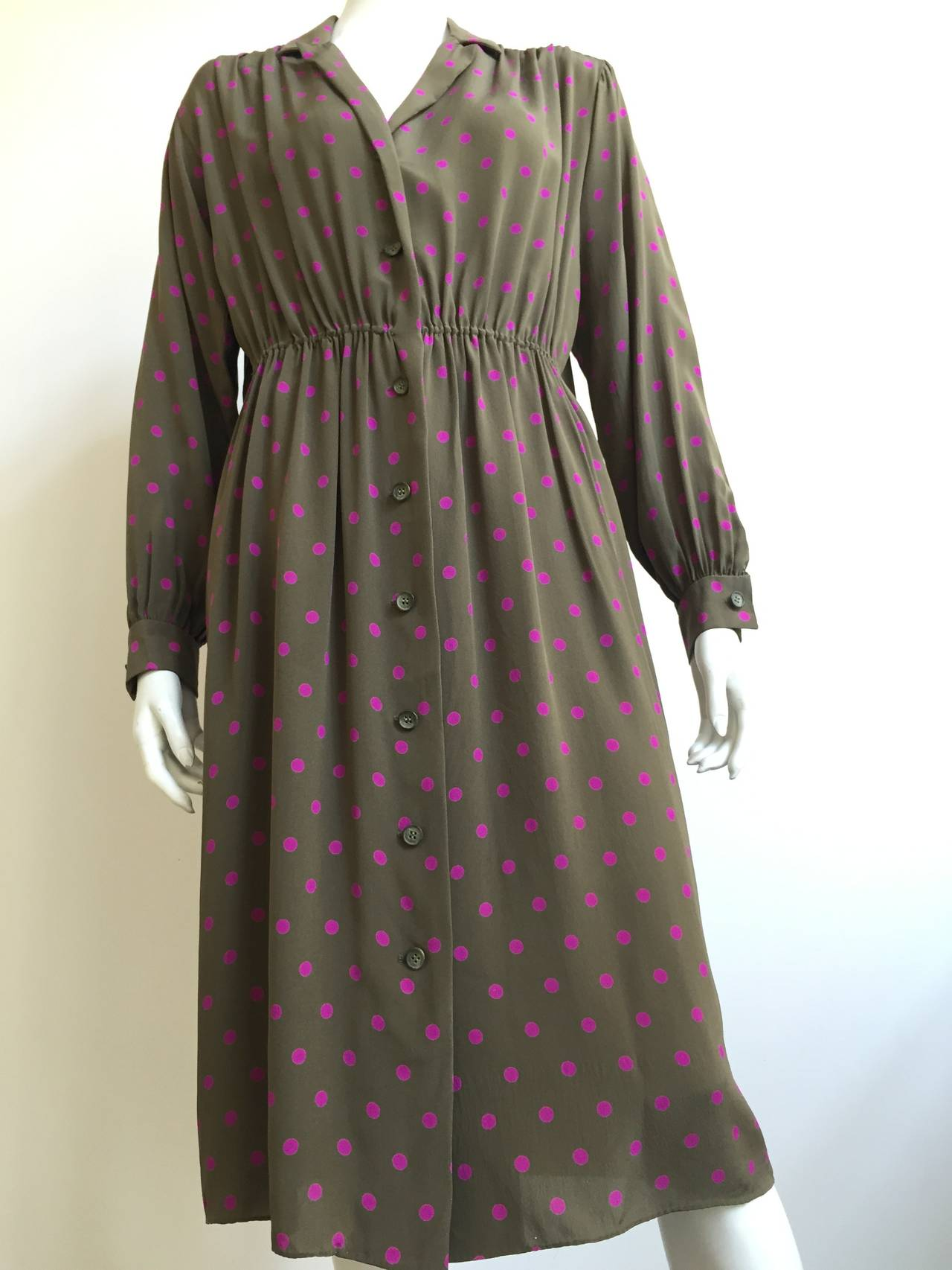 Bill Blass 70s Silk Dress With pockets Size 8. 3