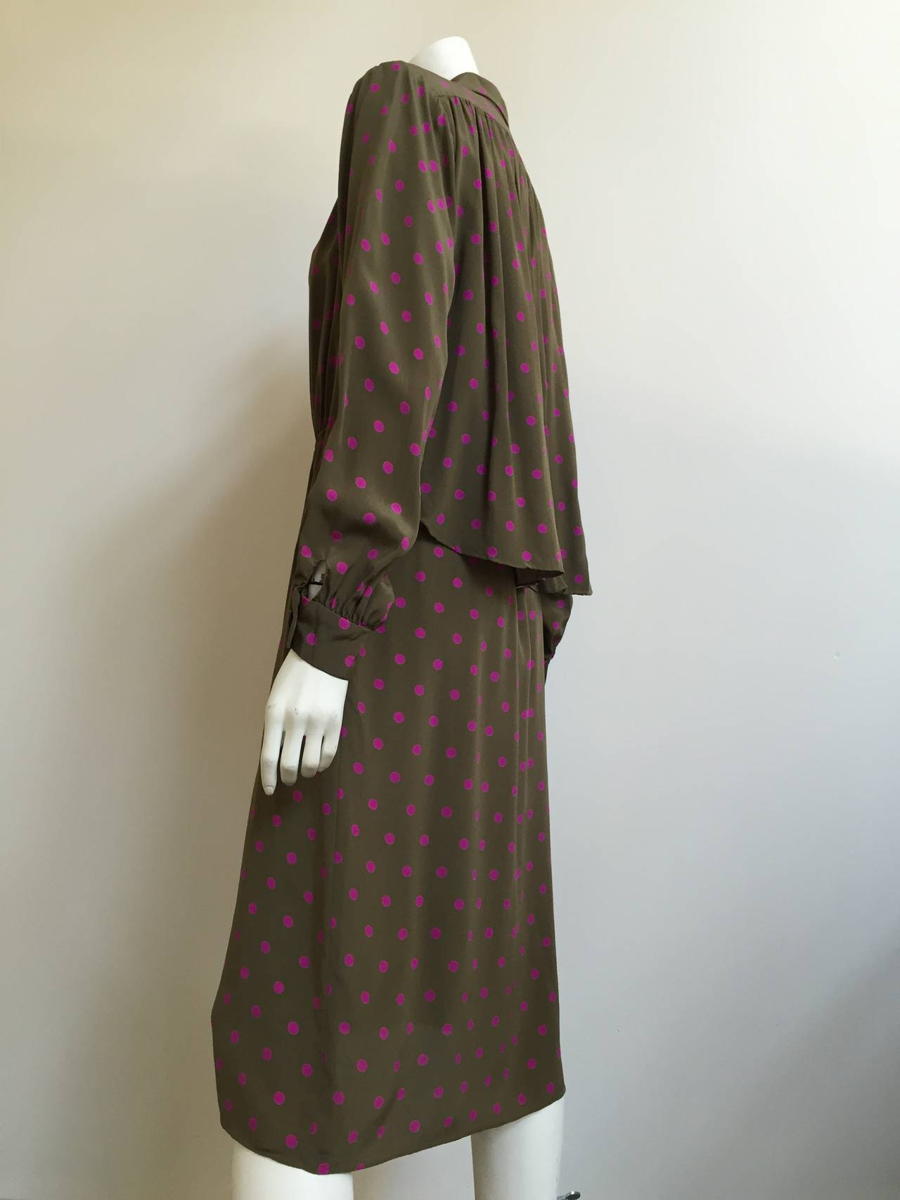 Bill Blass 70s Silk Dress With pockets Size 8. 4