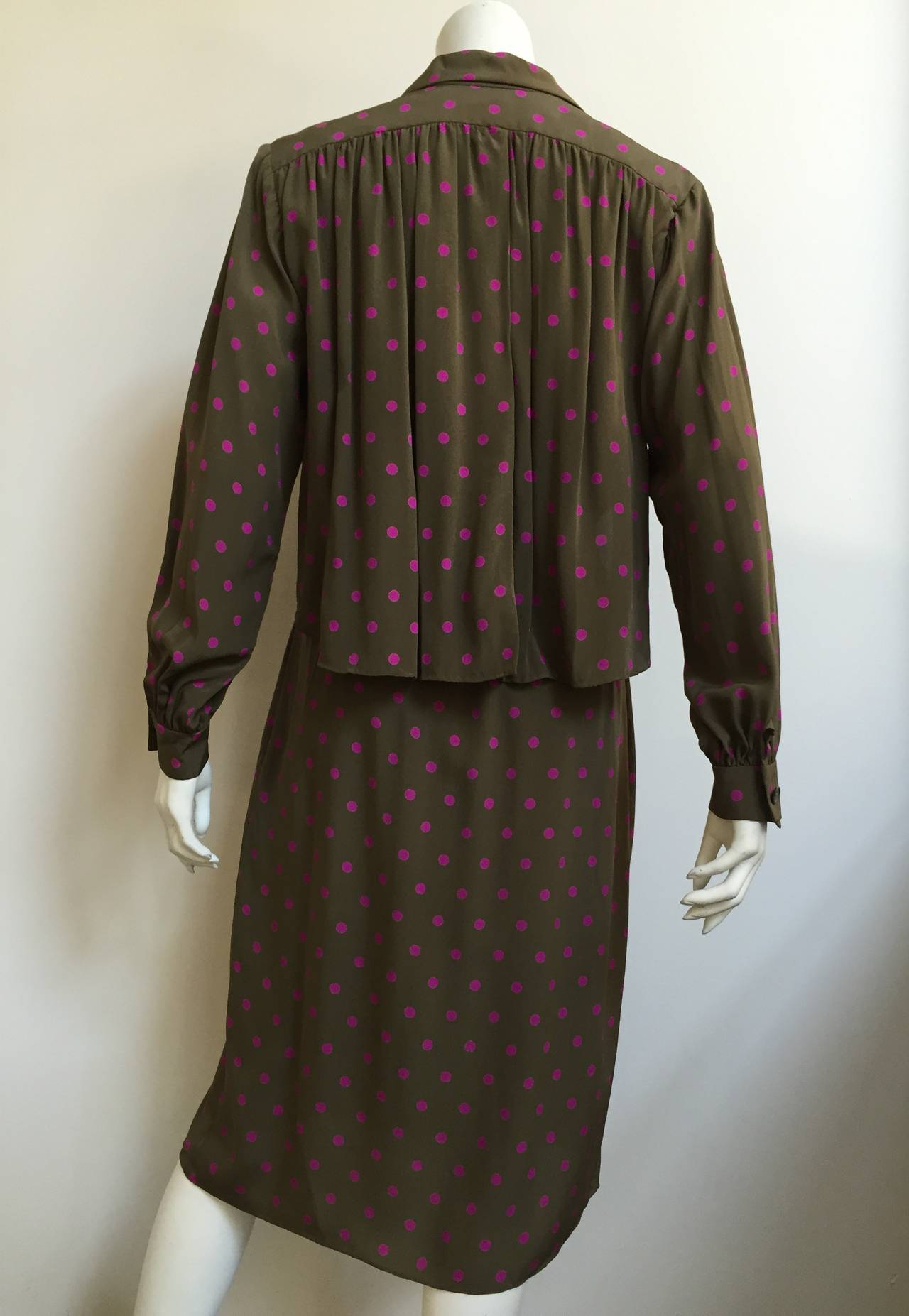 Bill Blass 70s Silk Dress With pockets Size 8. 6