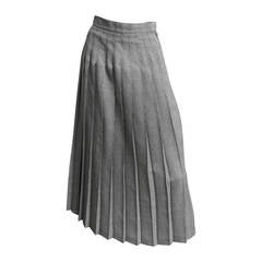 Dior 1980s Wool Long Houndstooth Pleated Skirt Size 4.