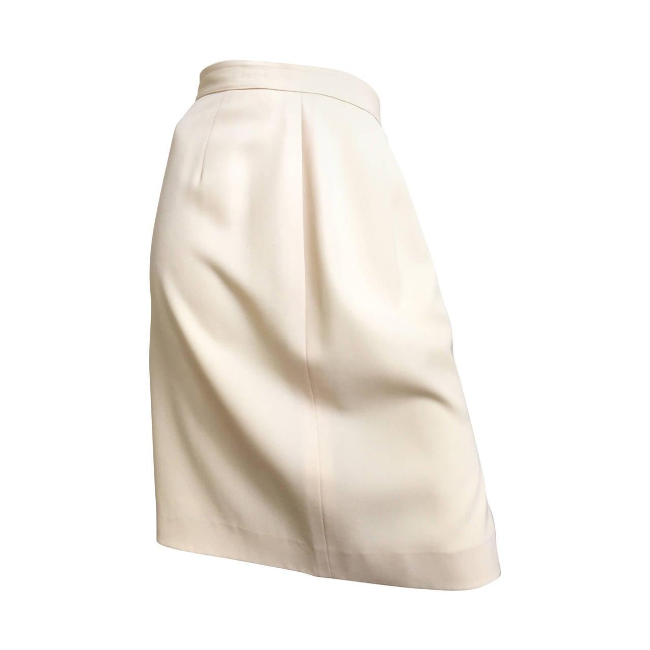 Valentino Cream Wool Skirt Size 6.