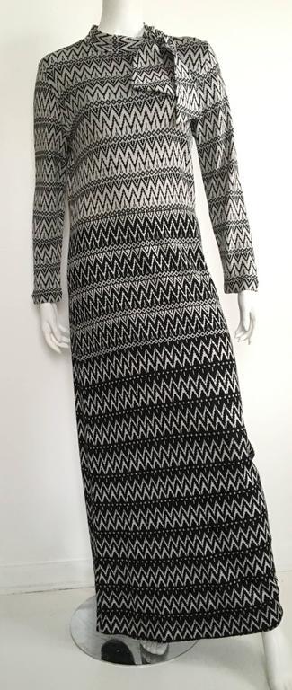 Susan Small 70s Chevron Long Knit Maxi Dress Size 6/8. 9