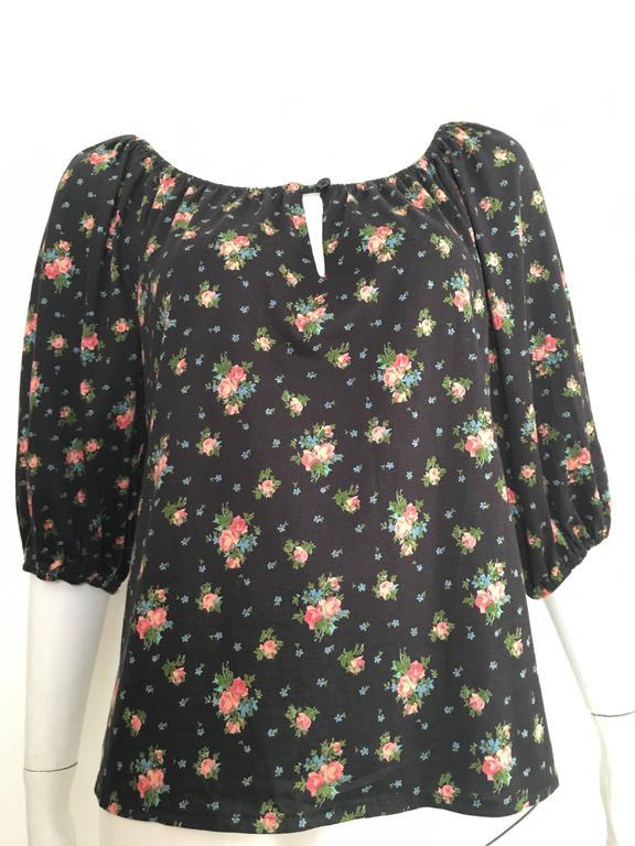 Oscar de la Renta Floral Peasant Blouse Size 4 / 6. For Sale 4