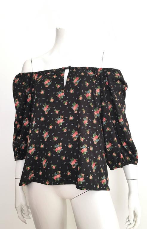 Oscar de la Renta Floral Peasant Blouse Size 4 / 6. For Sale 2