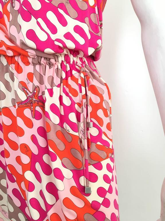 Emilio Pucci Starfish Off The Shoulder Dress Size 6.  In Excellent Condition For Sale In Atlanta, GA