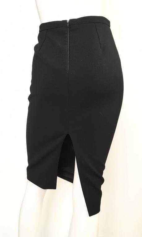 Women's or Men's Gucci Black Pencil Skirt Size 4 / 38. For Sale