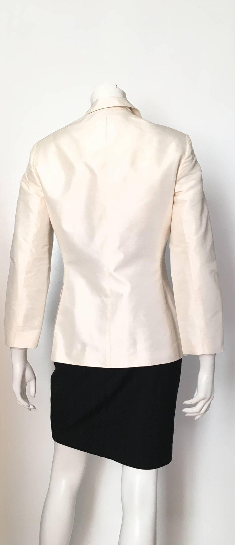 Oscar de la Renta White Silk Evening Jacket Size 6. For ...