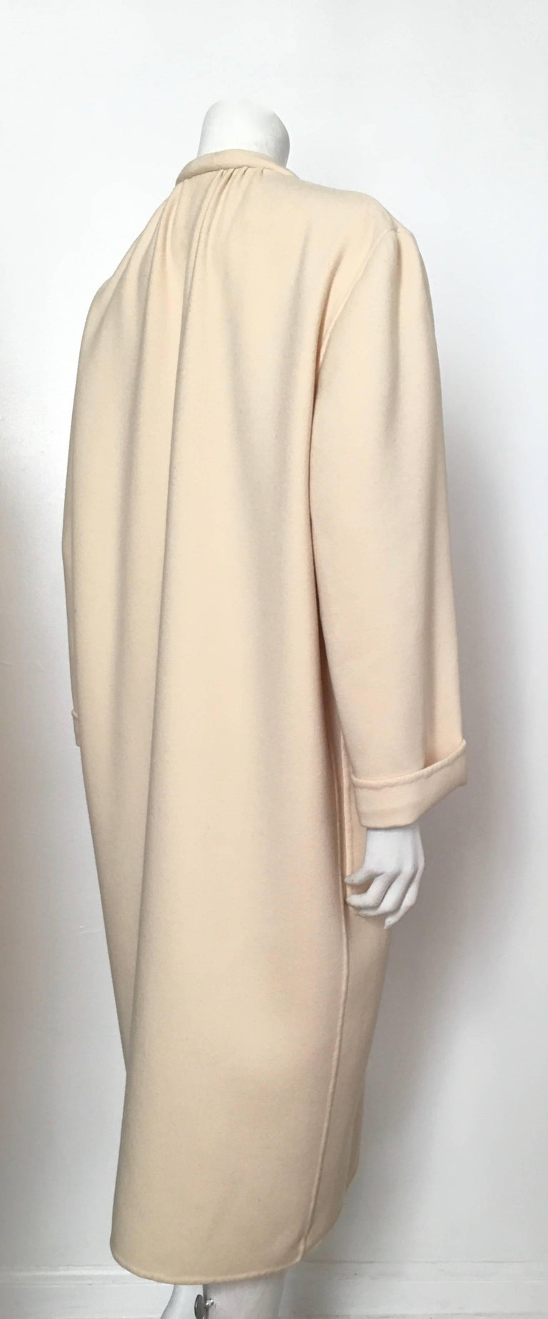 White Salvatore Ferragamo Cream Wool Cocoon Coat with Pockets Size 10 For Sale