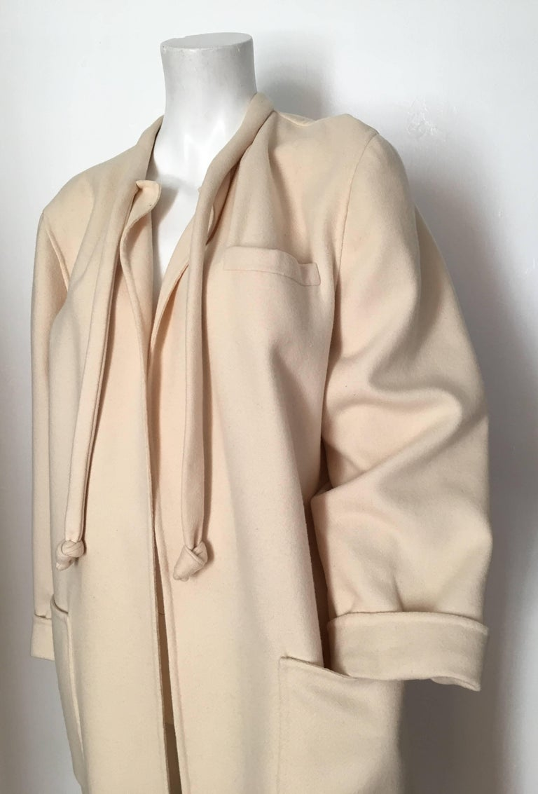 Salvatore Ferragamo Cream Wool Cocoon Coat with Pockets Size 10 For Sale 4