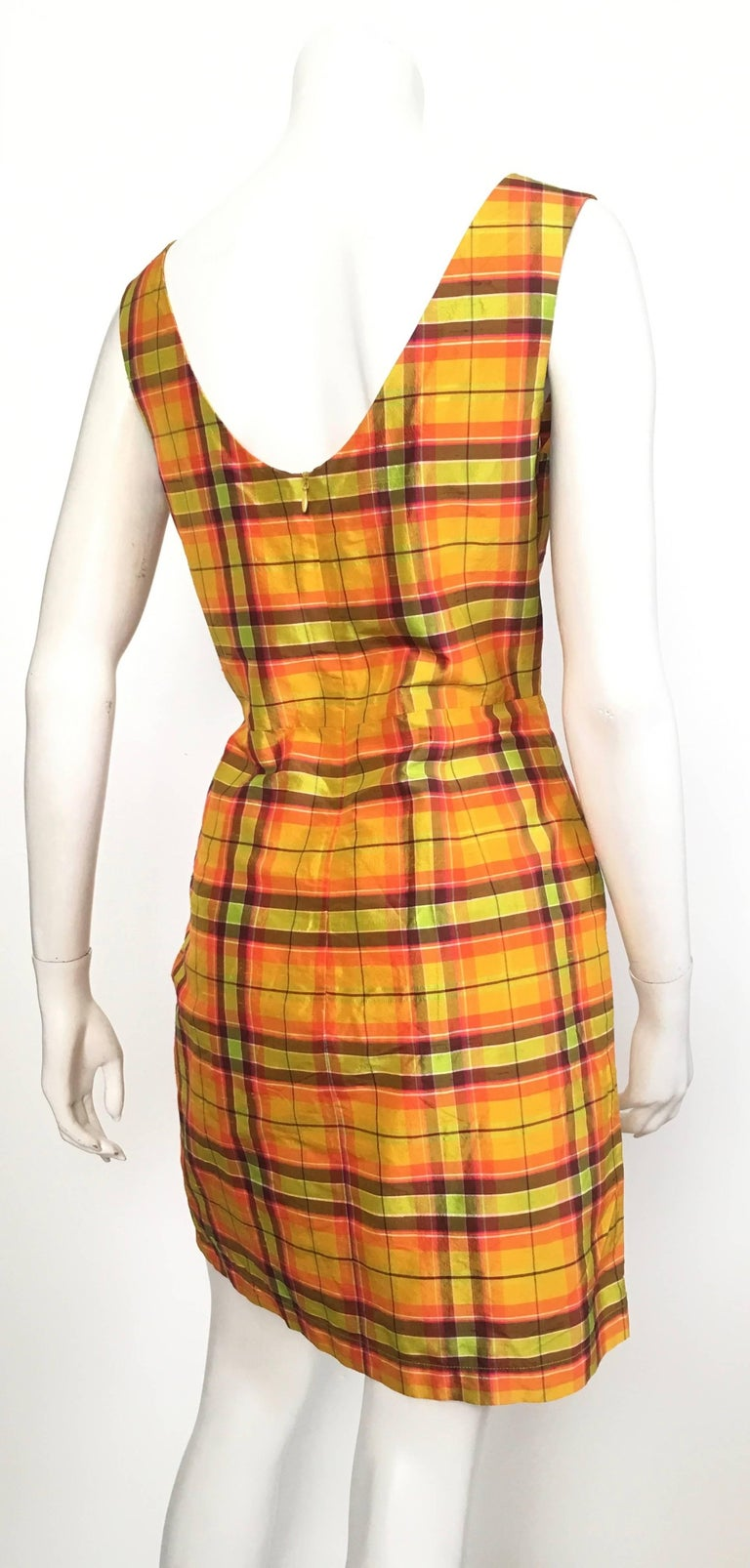 Moschino Silk Plaid Sleeveless Dress Size 10. In Excellent Condition For Sale In Atlanta, GA