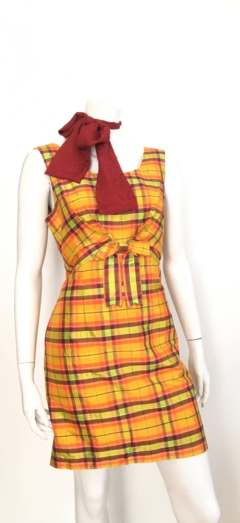 Moschino Silk Plaid Sleeveless Dress Size 10. For Sale 4