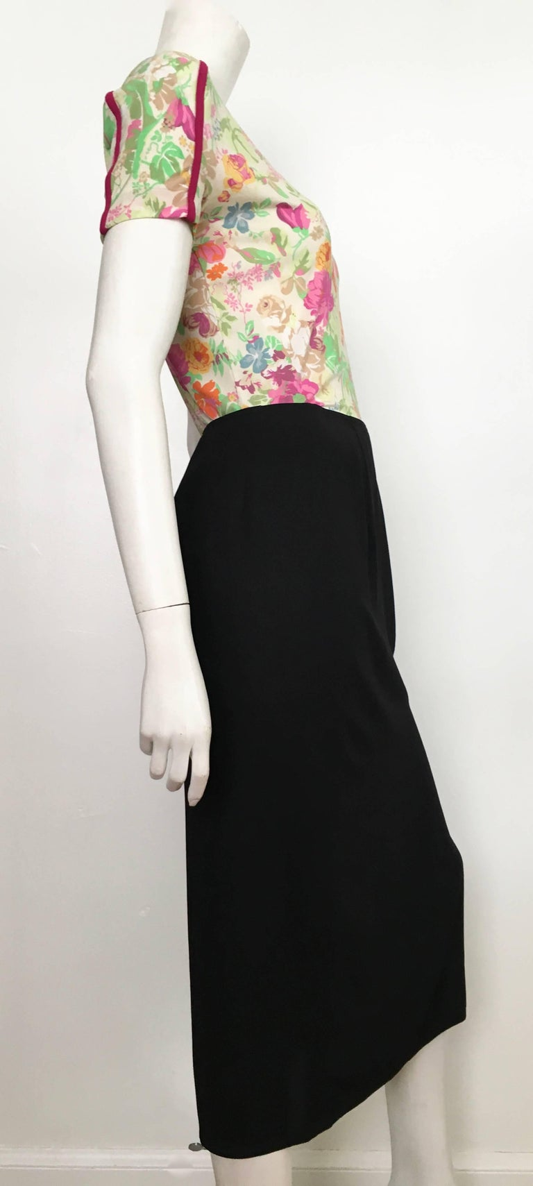 Donna Karan 1990s Black Wool Long Skirt Made in Italy Size 6. In Excellent Condition For Sale In Atlanta, GA