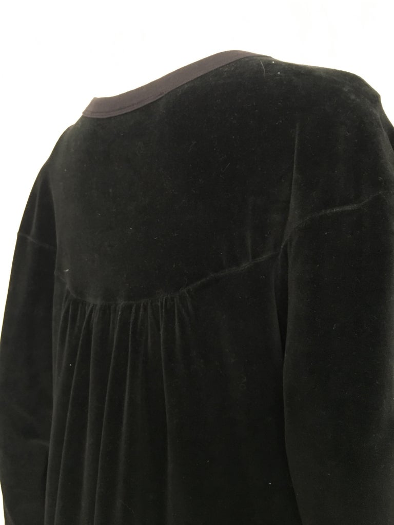 Sonia Rykiel 1980s Black Velour Dress with Pockets & Cardigan Size Large. For Sale 5