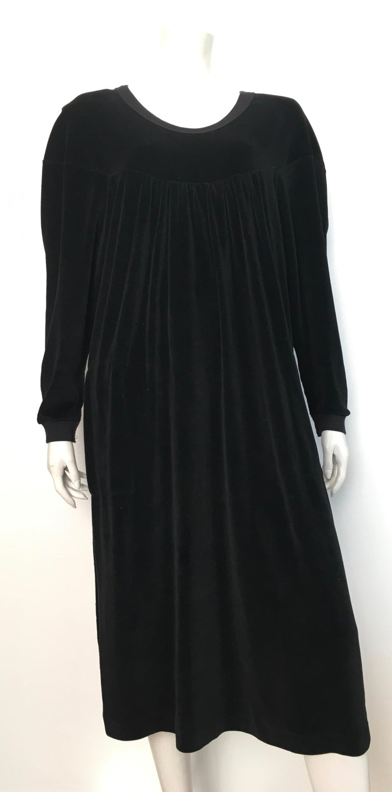 Sonia Rykiel 1980s black cotton velour baggy dress with pockets & matching cardigan is a size large. This dress & cardigan were designed to be a baggy fit, a flowing fit.  Stitching is a reverse stitch that became synonymous with the Sonia Rykiel