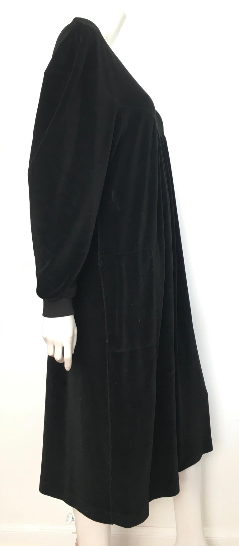 Sonia Rykiel 1980s Black Velour Dress with Pockets & Cardigan Size Large. For Sale 3