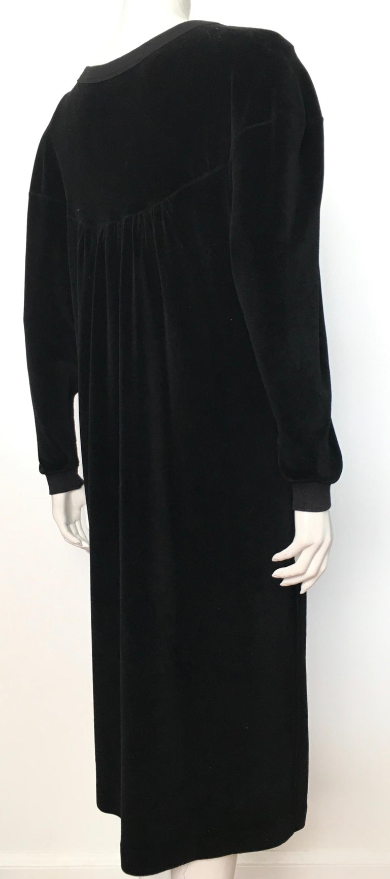 Sonia Rykiel 1980s Black Velour Dress with Pockets & Cardigan Size Large. For Sale 4