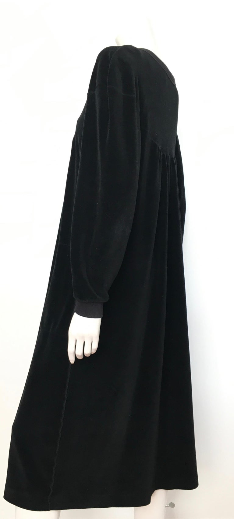 Sonia Rykiel 1980s Black Velour Dress with Pockets & Cardigan Size Large. For Sale 6