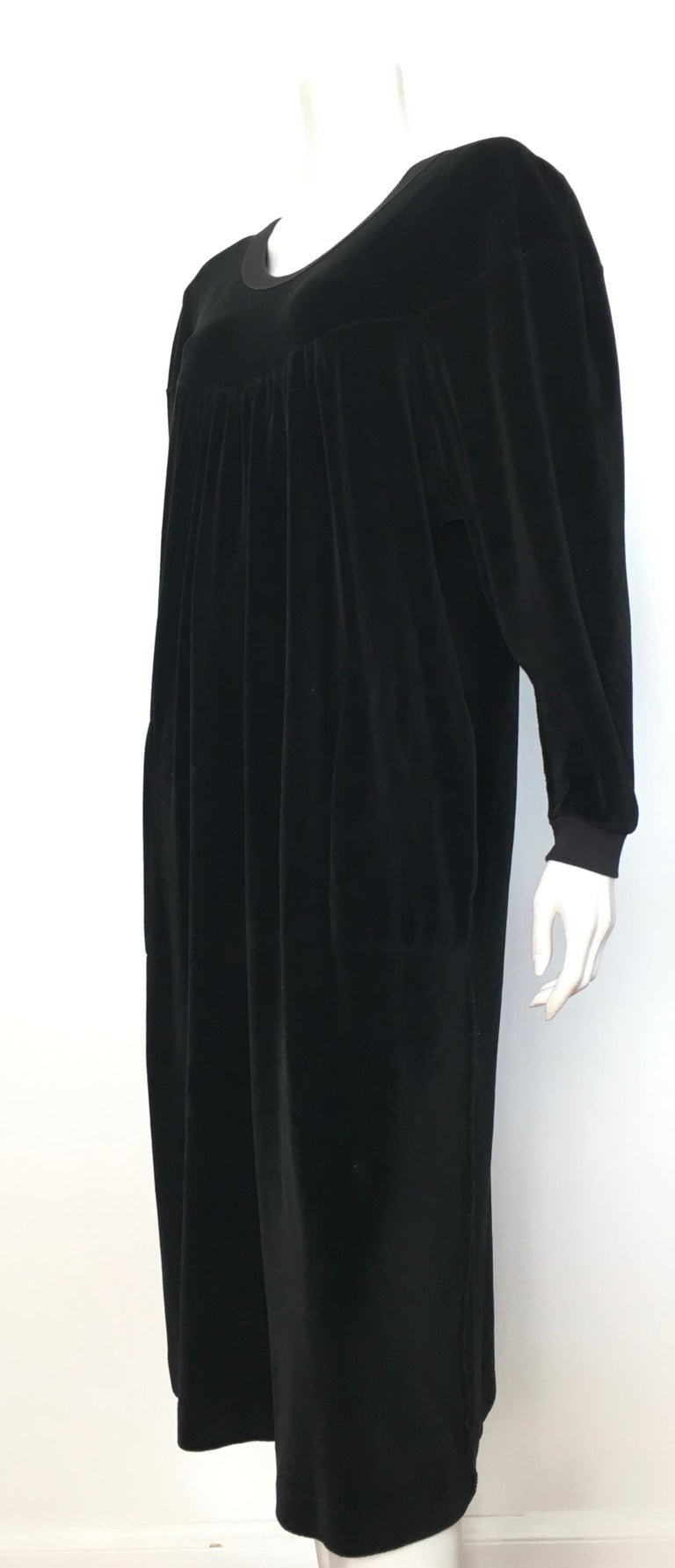 Sonia Rykiel 1980s Black Velour Dress with Pockets & Cardigan Size Large. For Sale 7