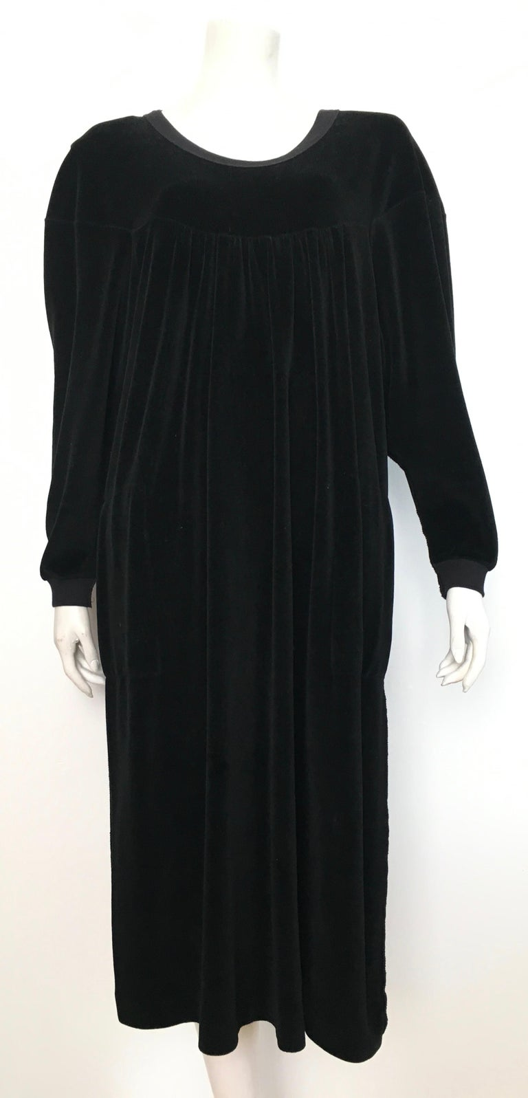 Sonia Rykiel 1980s Black Velour Dress with Pockets & Cardigan Size Large. For Sale 8