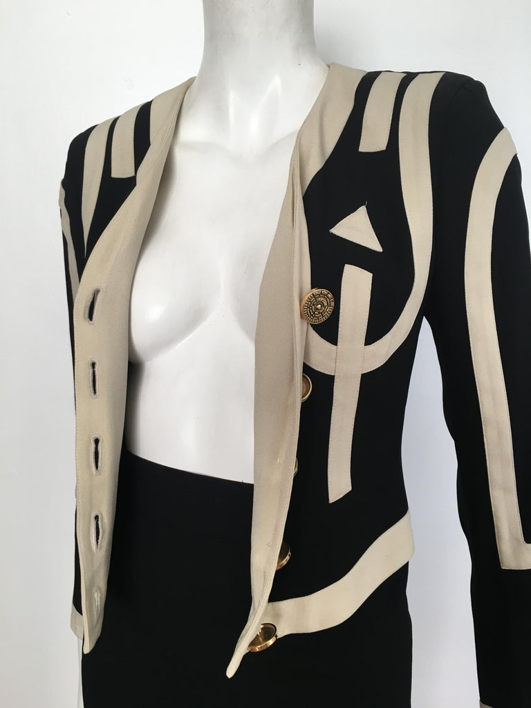 Moschino 1990s Black & Cream Jacket & Skirt Suit Size 4. For Sale 11
