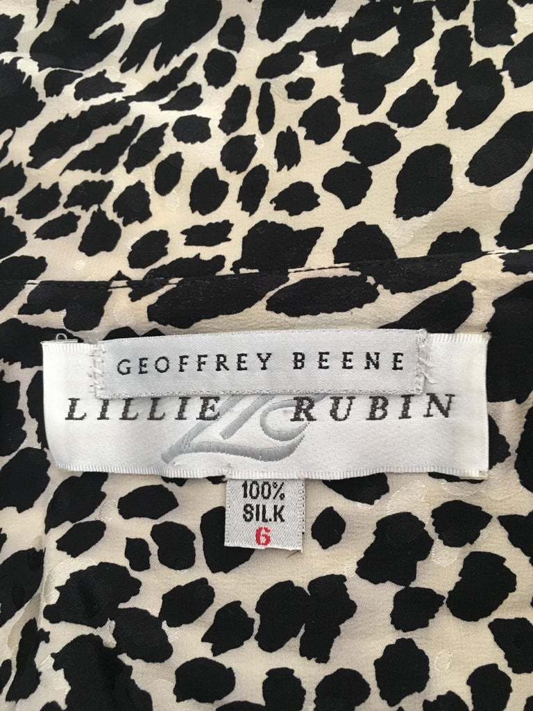 Geoffrey Beene for Lillie Rubin 1980 Animal Print Silk Dress Size 6. For Sale 11
