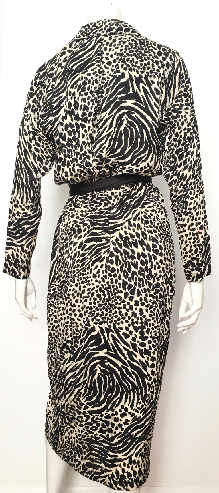 Geoffrey Beene for Lillie Rubin 1980 Animal Print Silk Dress Size 6. For Sale 1