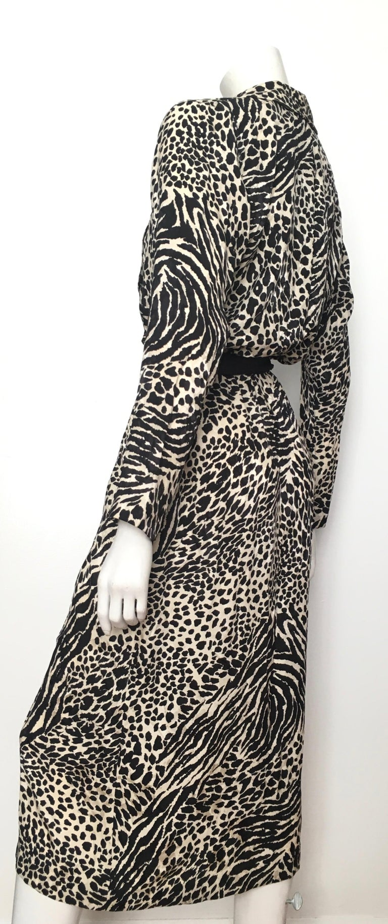 Geoffrey Beene for Lillie Rubin 1980 Animal Print Silk Dress Size 6. For Sale 2