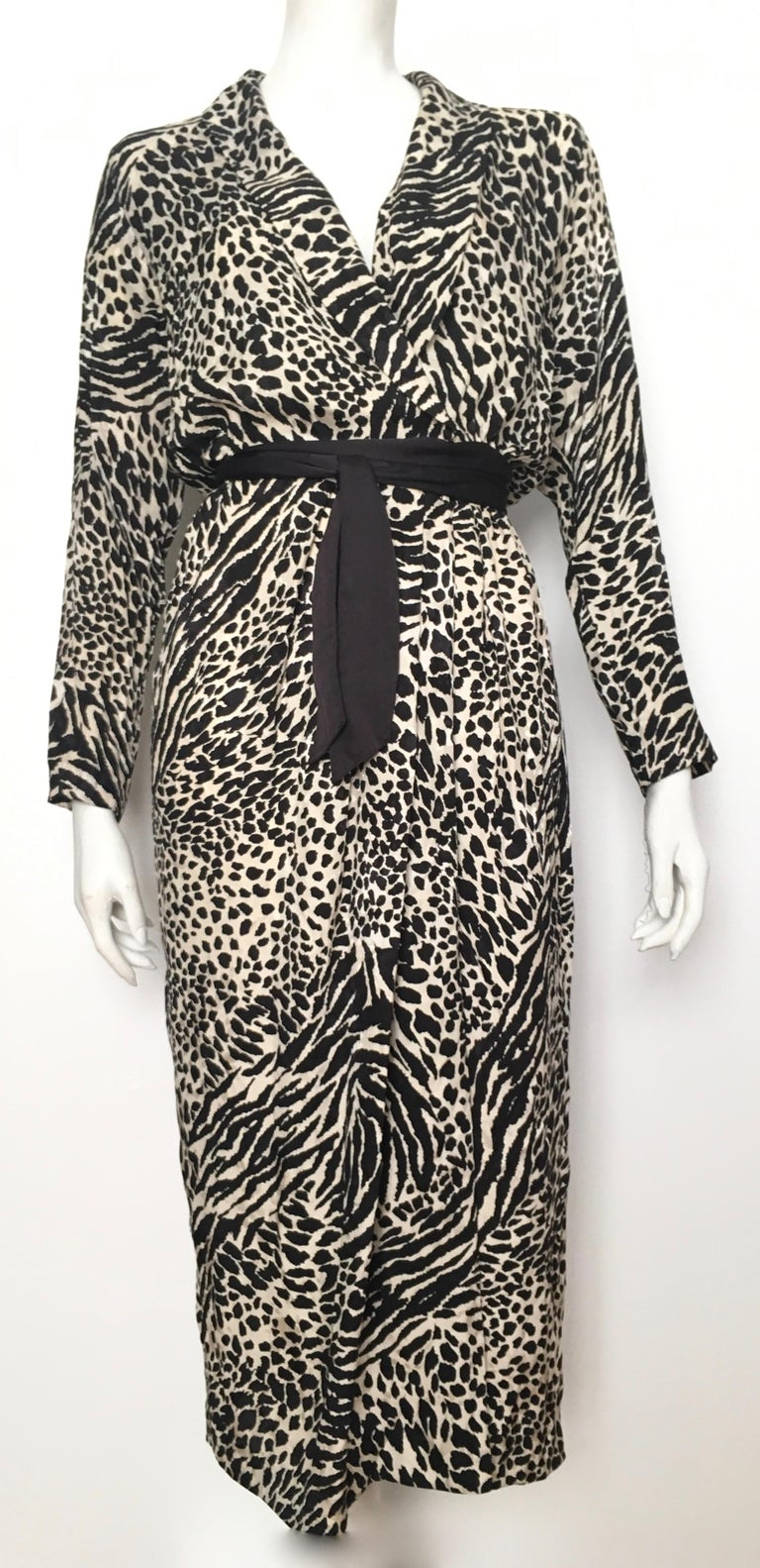 Geoffrey Beene for Lillie Rubin 1980 Animal Print Silk Dress Size 6. For Sale 4