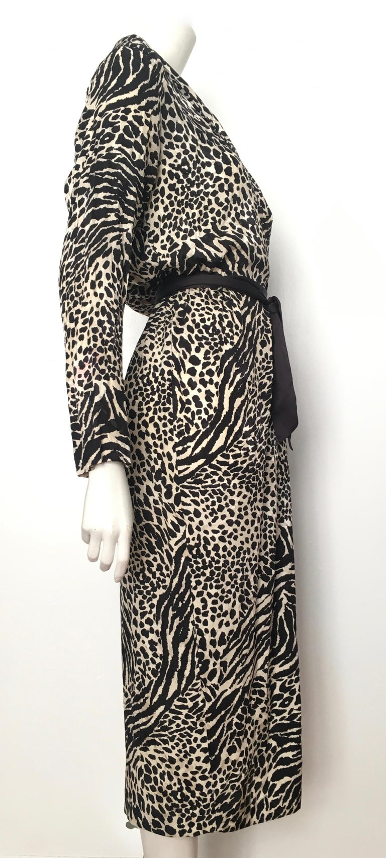 Geoffrey Beene for Lillie Rubin 1980 Animal Print Silk Dress Size 6. For Sale 5