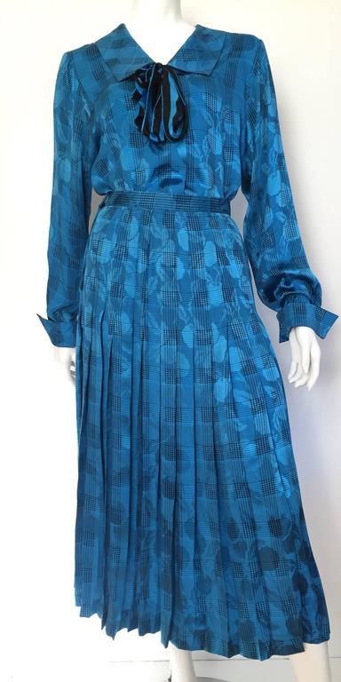 Oscar de la Renta 80s silk blouse & skirt size 4. For Sale 5