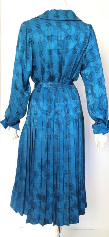 Women's Oscar de la Renta 80s silk blouse & skirt size 4. For Sale